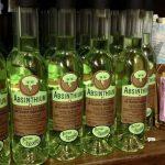 Assenzio: sostanza allucinogena o potente alcolico?